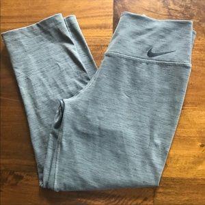 Nike dry fit capri length legging
